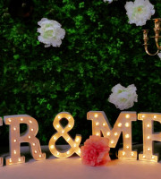 Mr&Mrs Light Letters