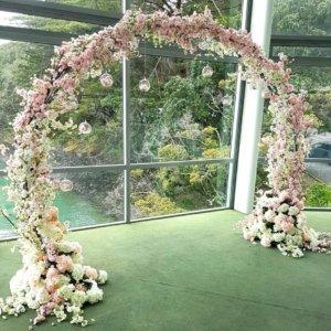 circle wedding arch