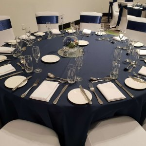table-cloth-navy-round