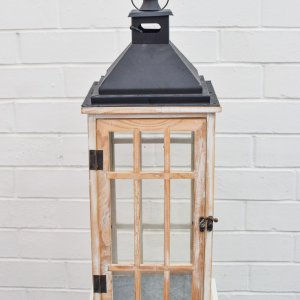 wooden wishing well lantern