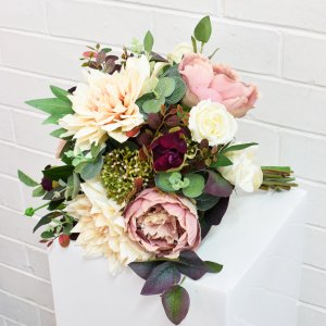 rustic light pink and burgundy bouquet