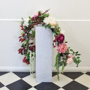 floral garland pink cream